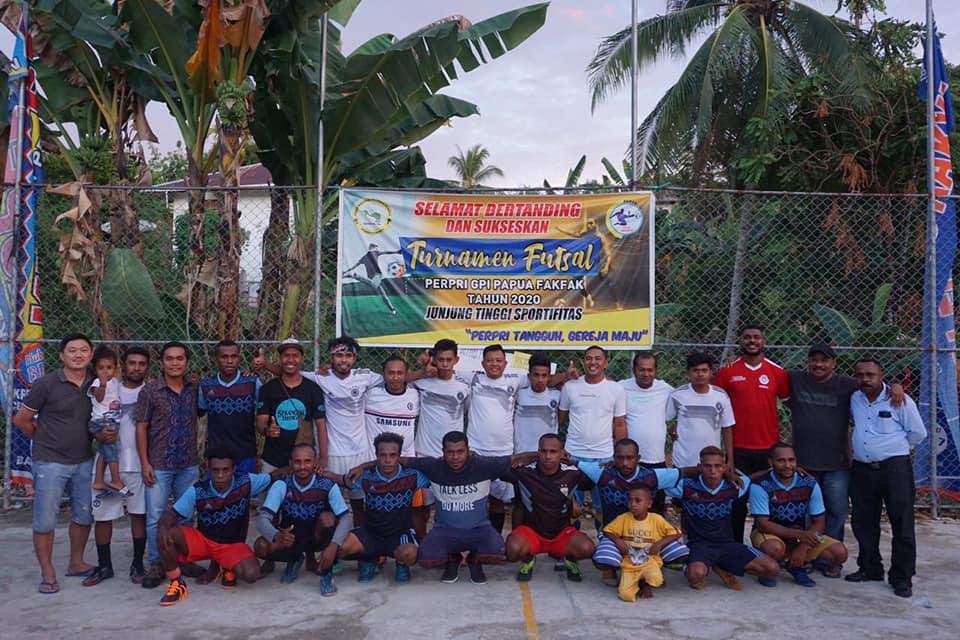 Menjalin Tali Persaudaraan Perpri dalam Pertandingan Futsal.
